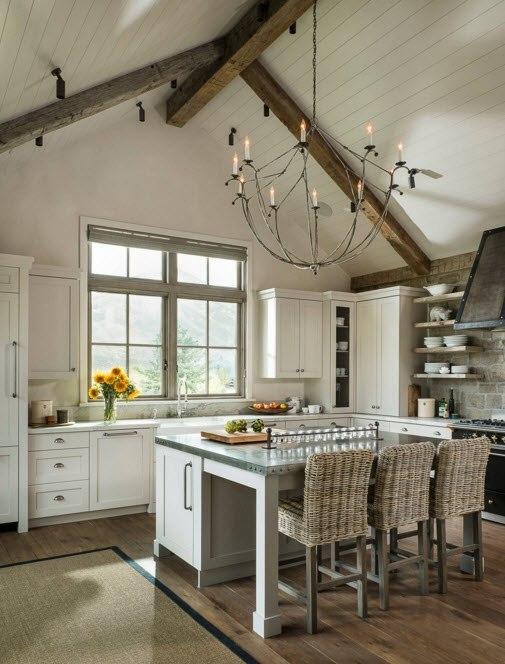 Сводчатый потолок кухни