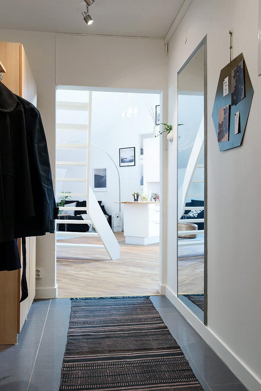 Прихожая шведской квартиры