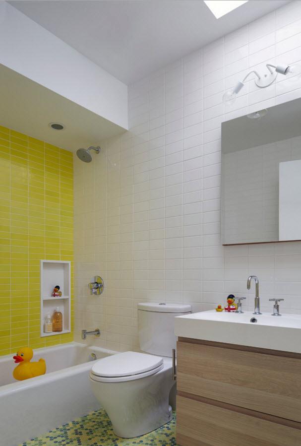 Ванная возле деткой комнат