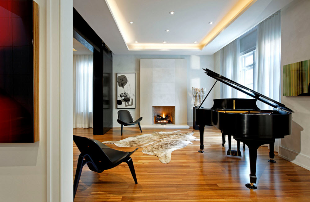 Музыкальная комната с камином