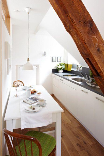 Кухня с непростой архитектурой
