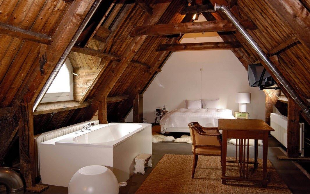 Спальня с ванной на чердаке
