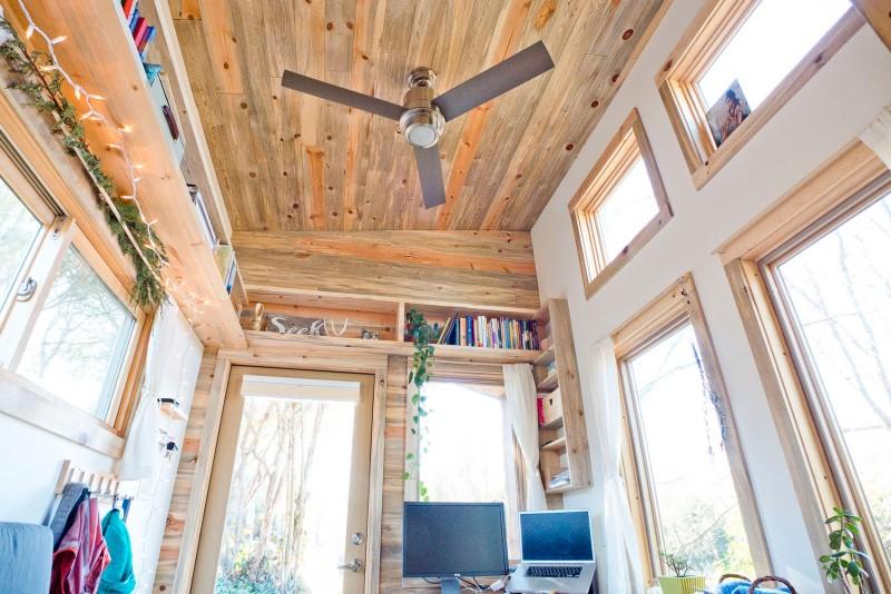 Белоснежные и древесные оттенки