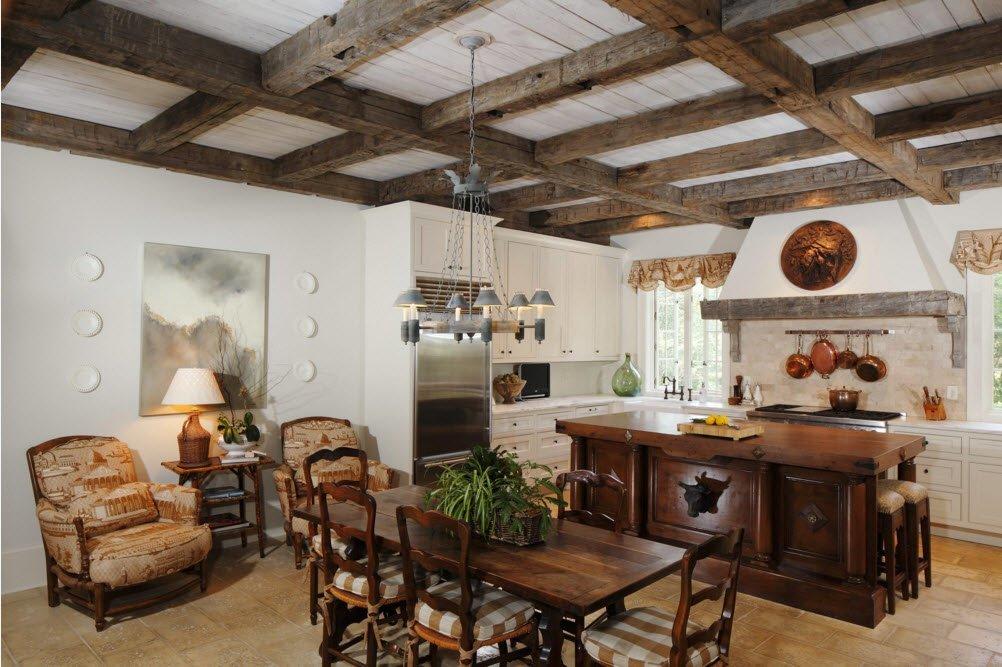 Перекрестные балки на потолке кухни-столовой