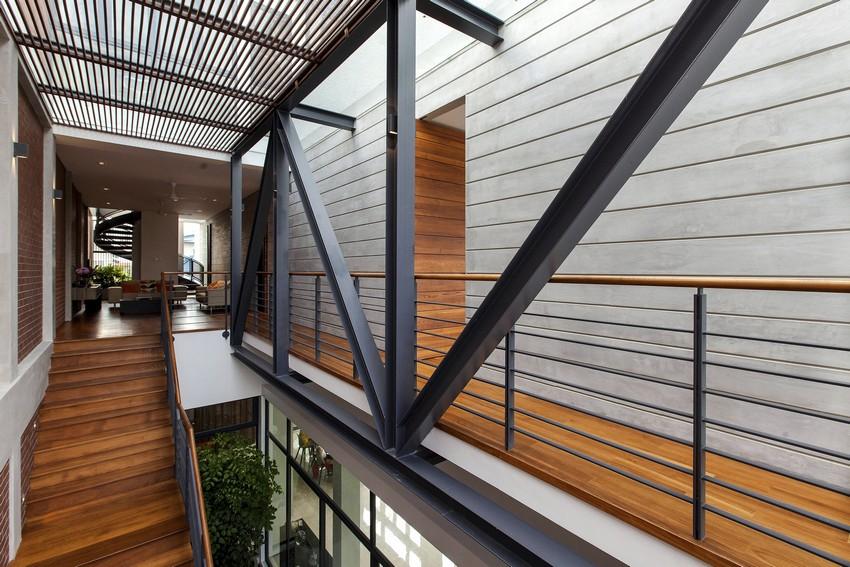 Металл, бетон и дерево