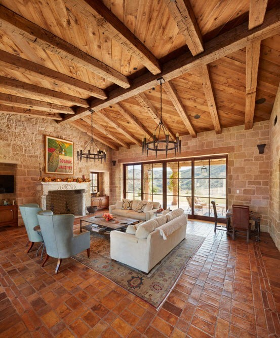Отделка потолка гостиной с помощью дерева