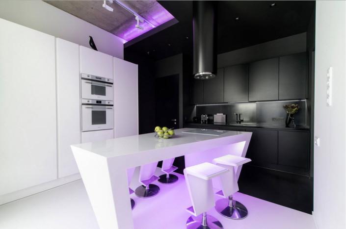 Необычный дизайн-проект черно-белого интерьера