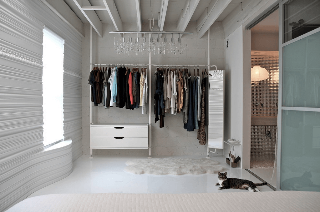 Эконом-вариант для хранения в спальне