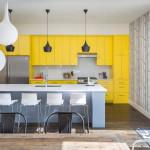 Яркий современный интерьер для частного дома