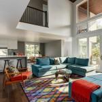 Двухэтажный частный дом с уютным и современным интерьером