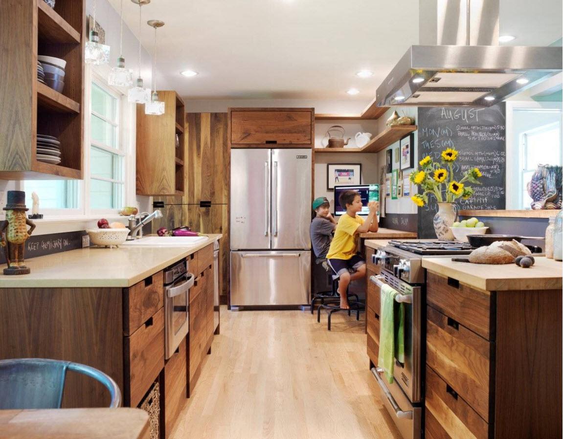 Кухонный гарнитур из ореха
