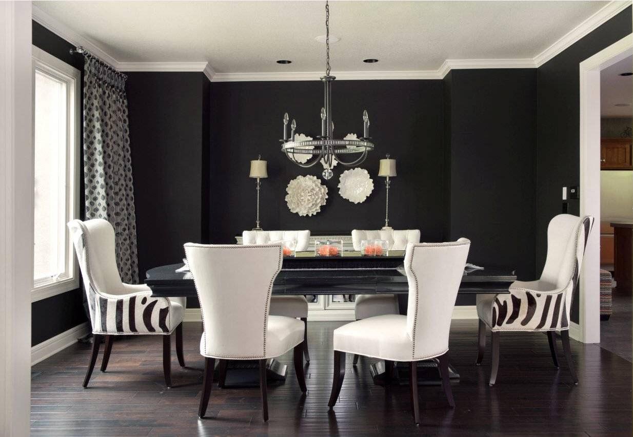 Черно-белая столовая с цветами