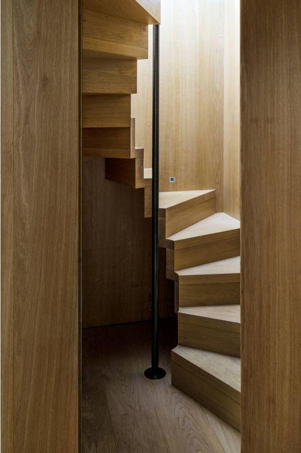 Лестница на металлической оси