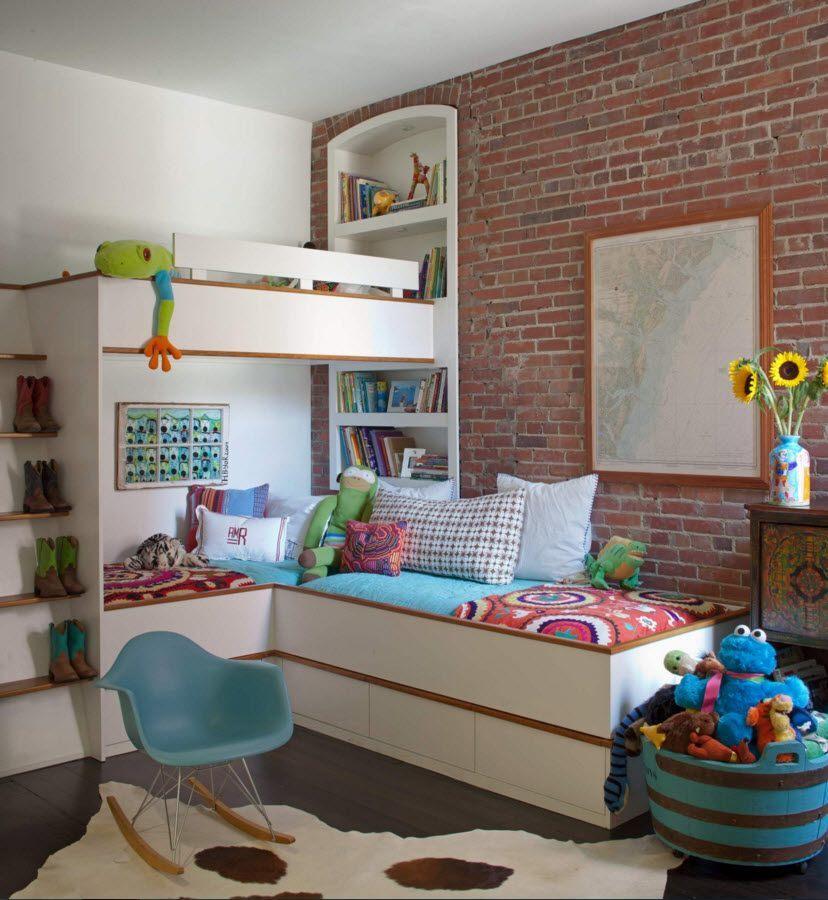 Кирпичная стена в детской