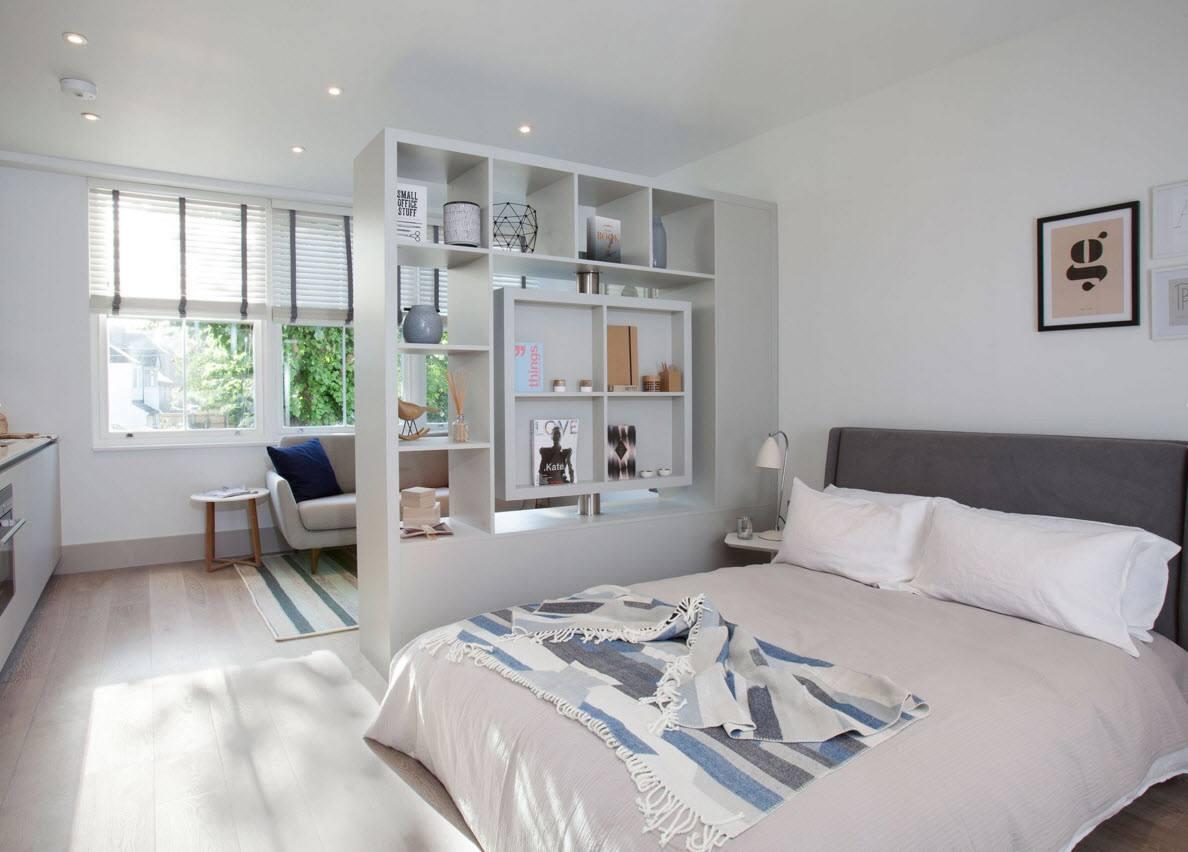 Белоснежная спальня за перегородкой