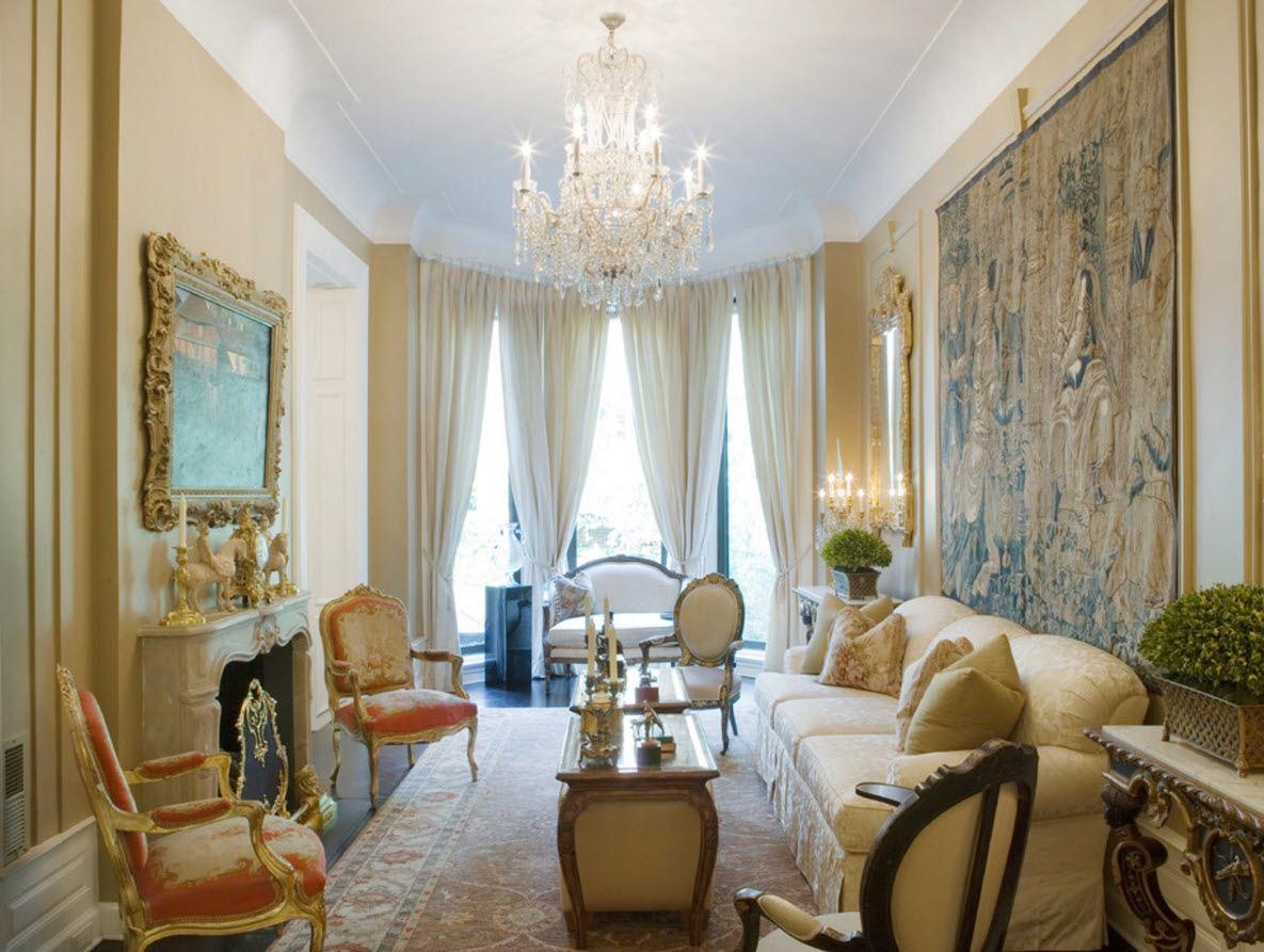 В роскошной гостиной