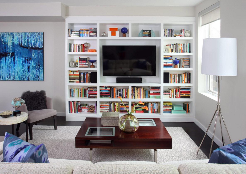 13 идей расположения книжных полок в гостиной.
