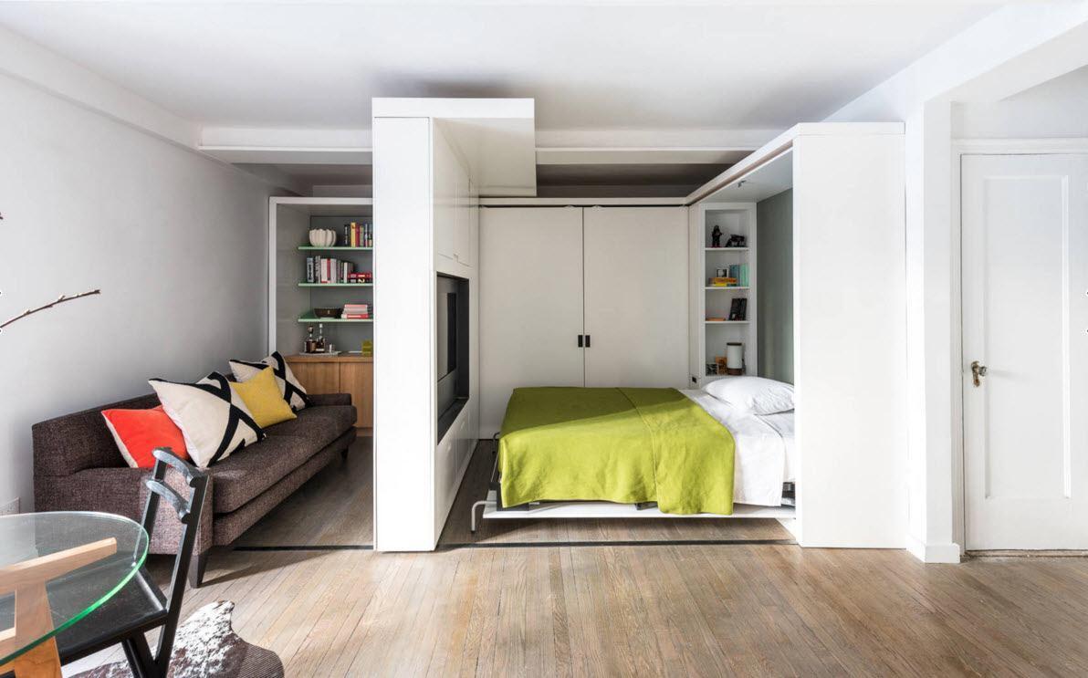 Кровать поднимается в шкаф