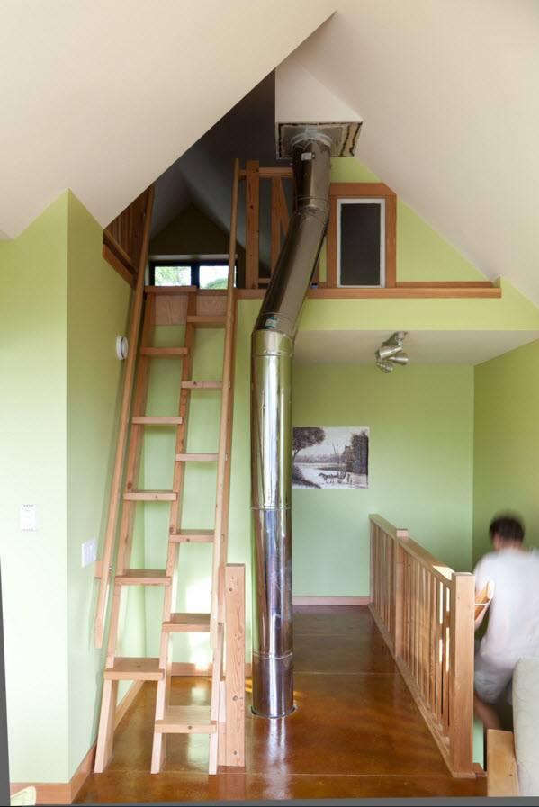 Оригинальная деревянная лестница