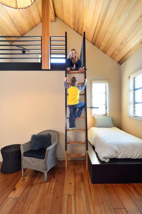 Лестница с перилами в детской
