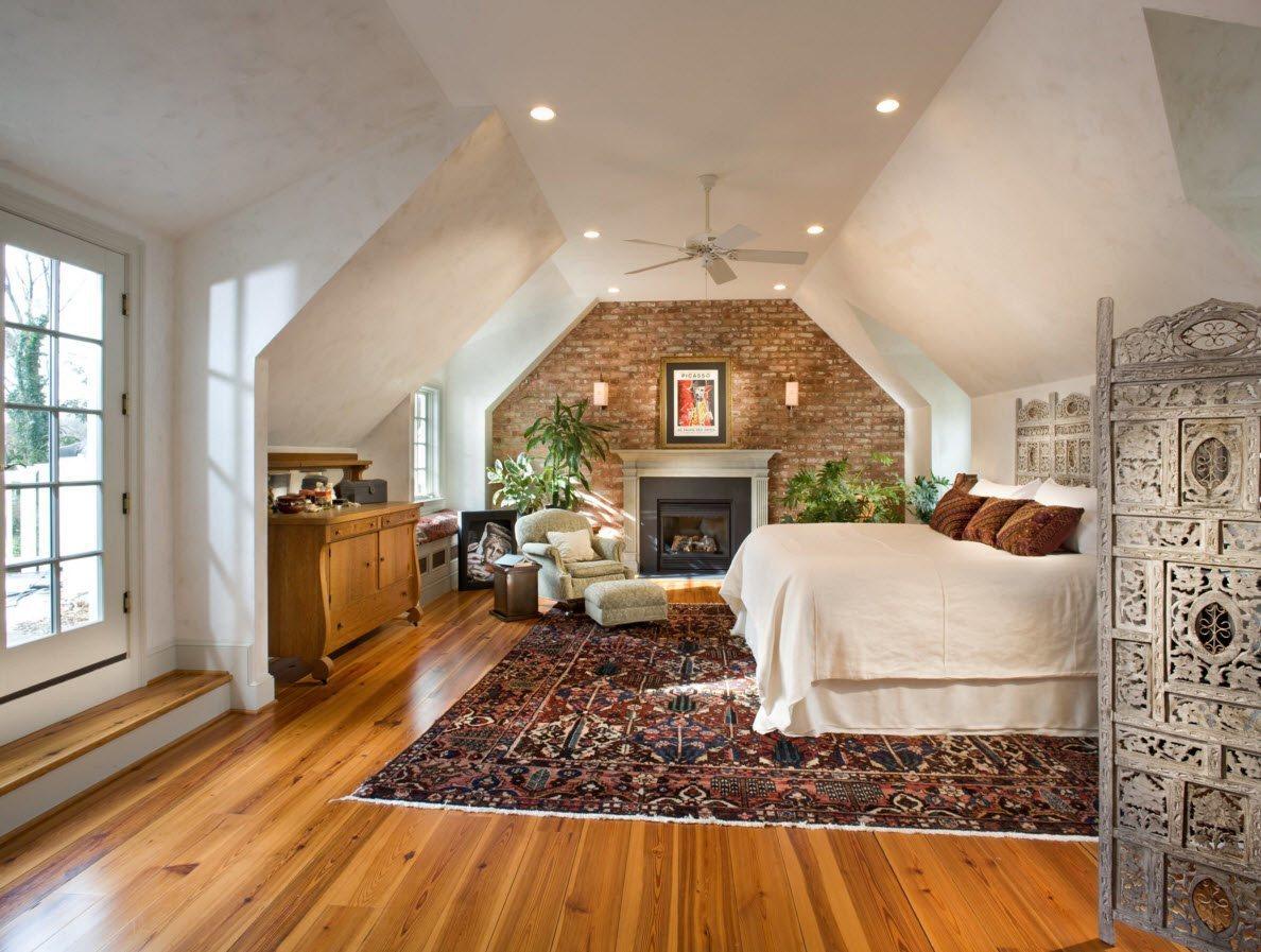 Оформление камина в спальне