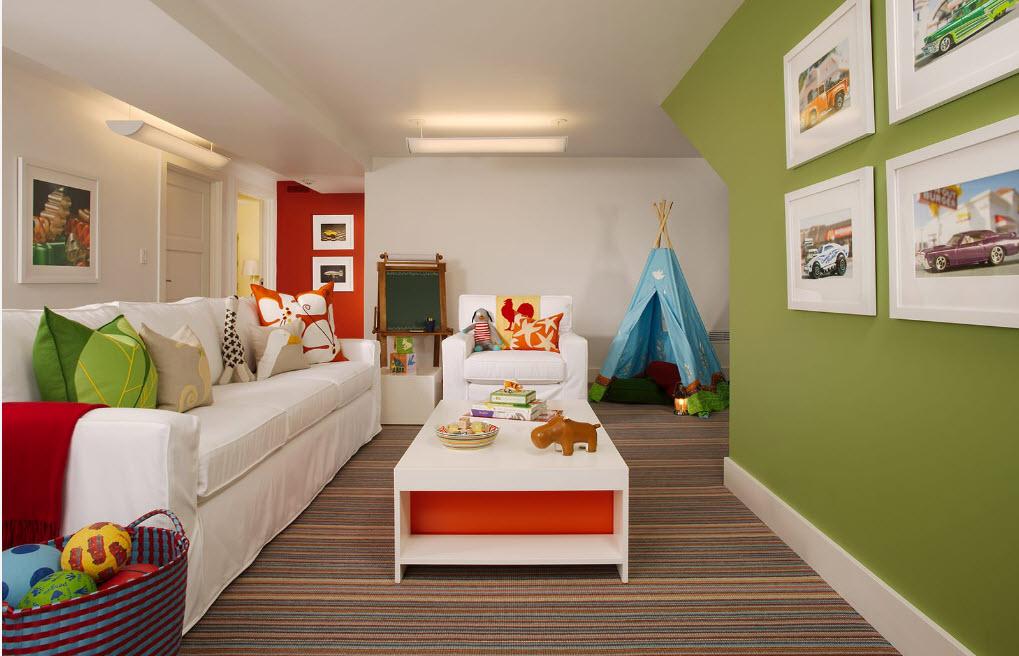 Большой диван для детской игровой