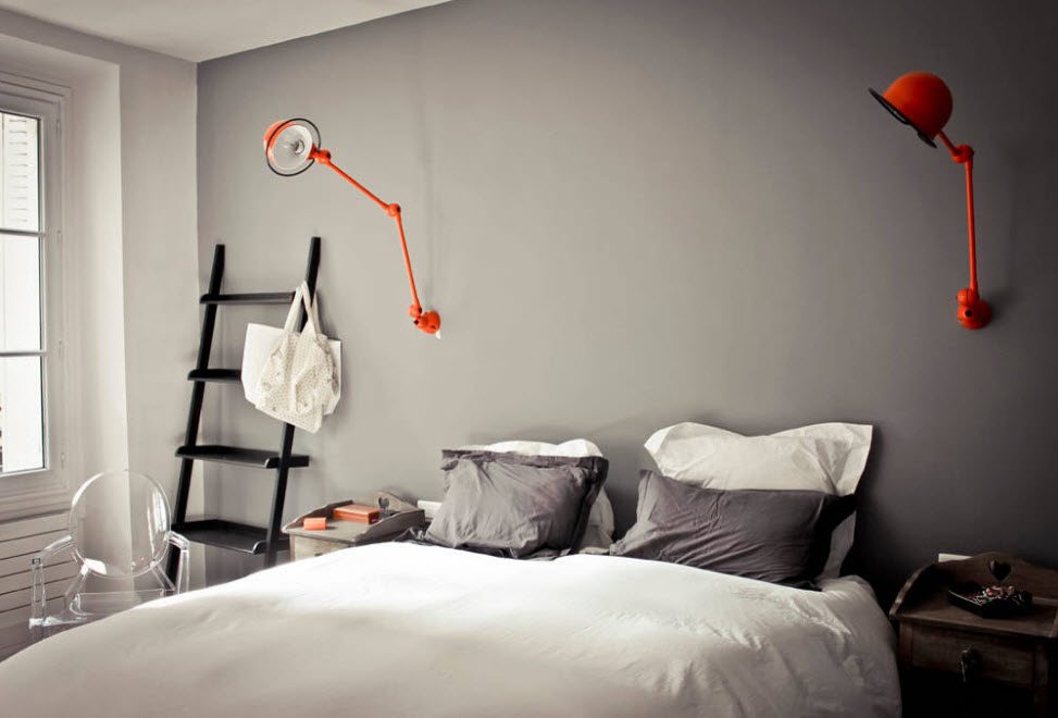 Интерьер спальни средних размеров