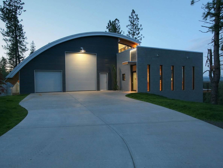 Необычное исполнение гаража