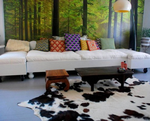 Лиственный лес в гостиной