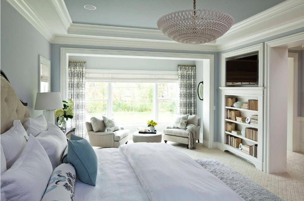 Большая спальня с гостиной зоной
