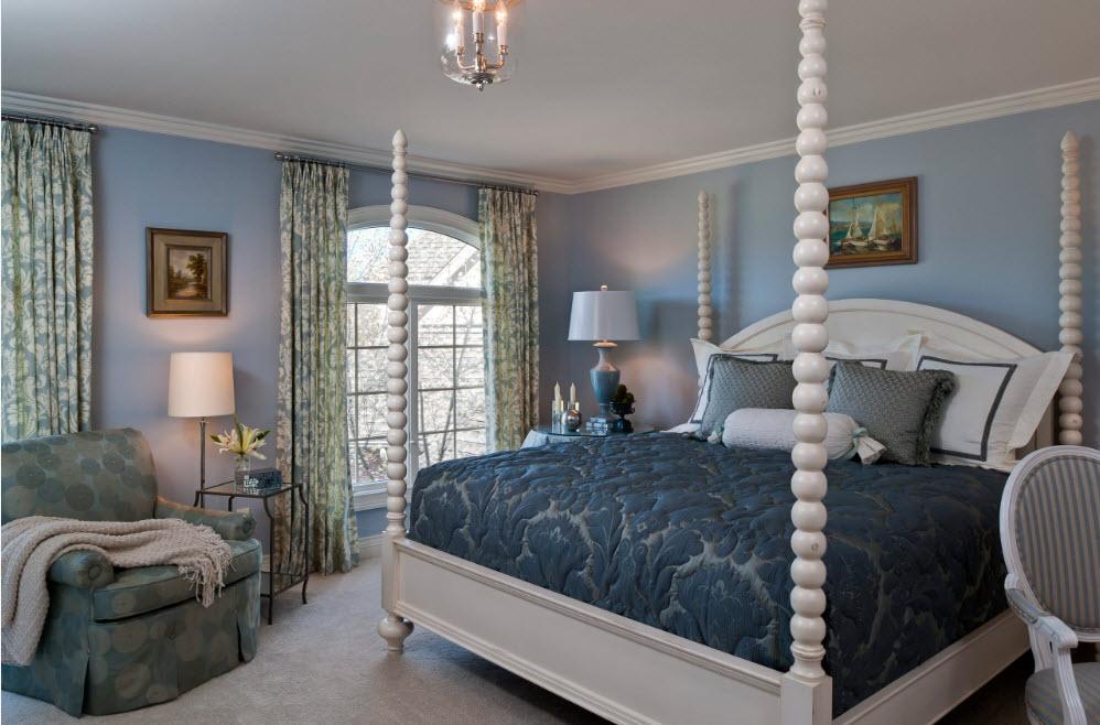 Для кровати с конструкцией под балдахин