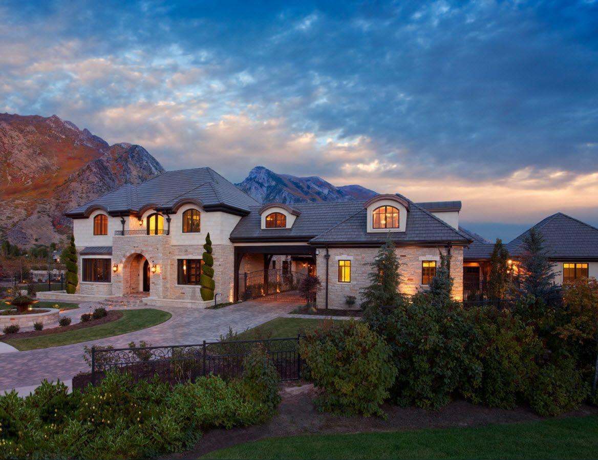 Большое частное домовладение