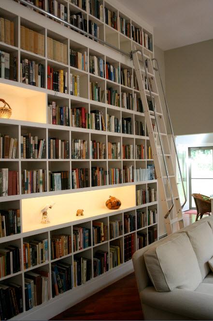 Лестница с перилами для стеллажа