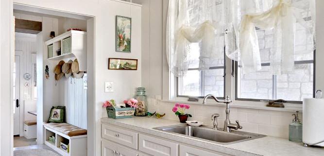 Тюль для декорирования кухонного помещения