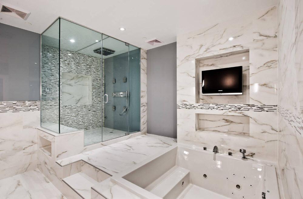 Гидромассажная ванная для просторного помещения