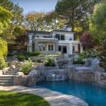 Фасад двухэтажного дома – выбираем оптимальную отделку