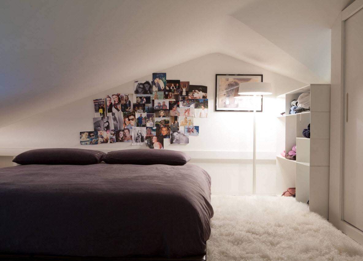Спальня на чердаке в белых тонах