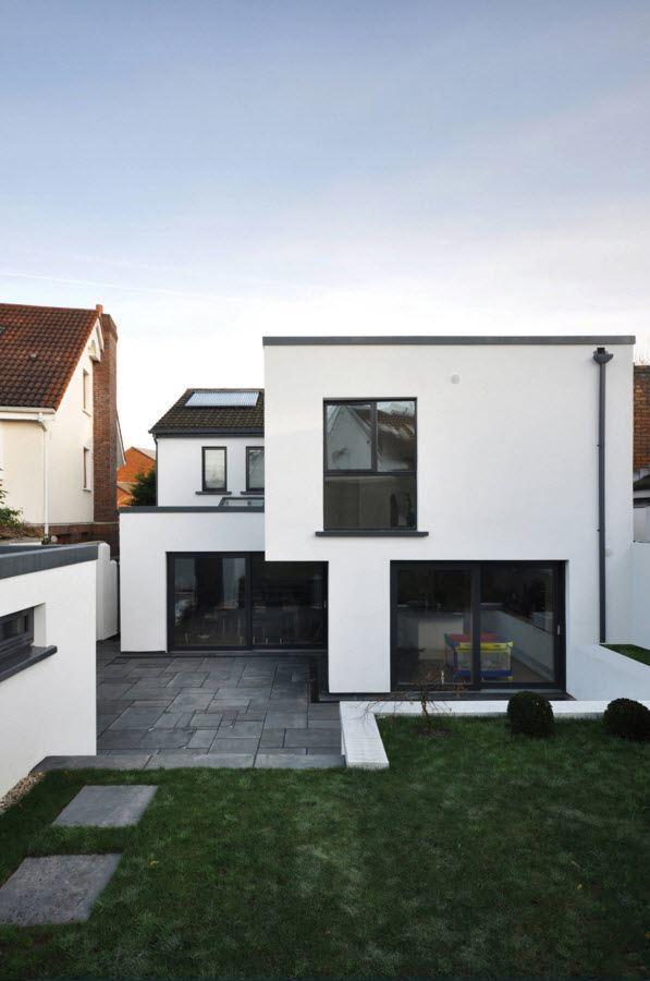 Бело-черный фасад