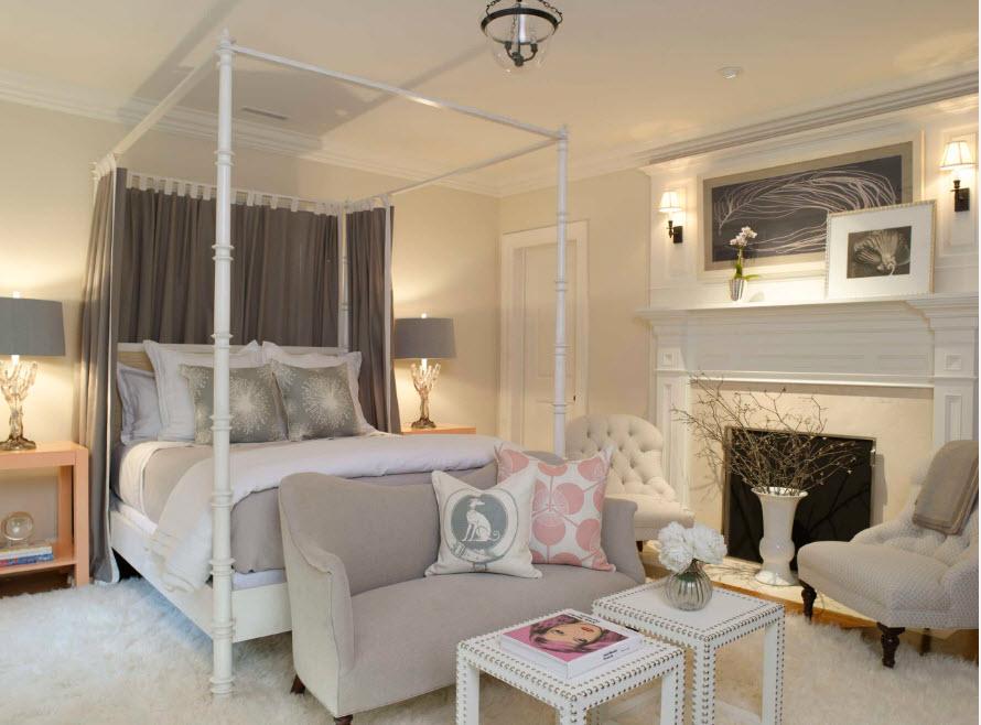 Кровать за шторками