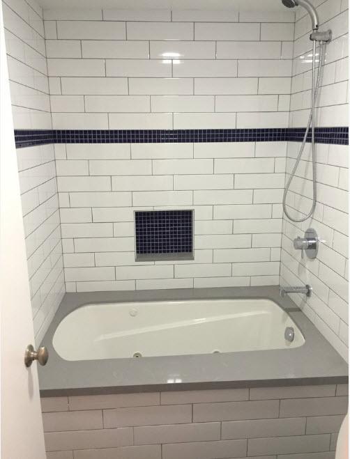 В малогабаритной ванной