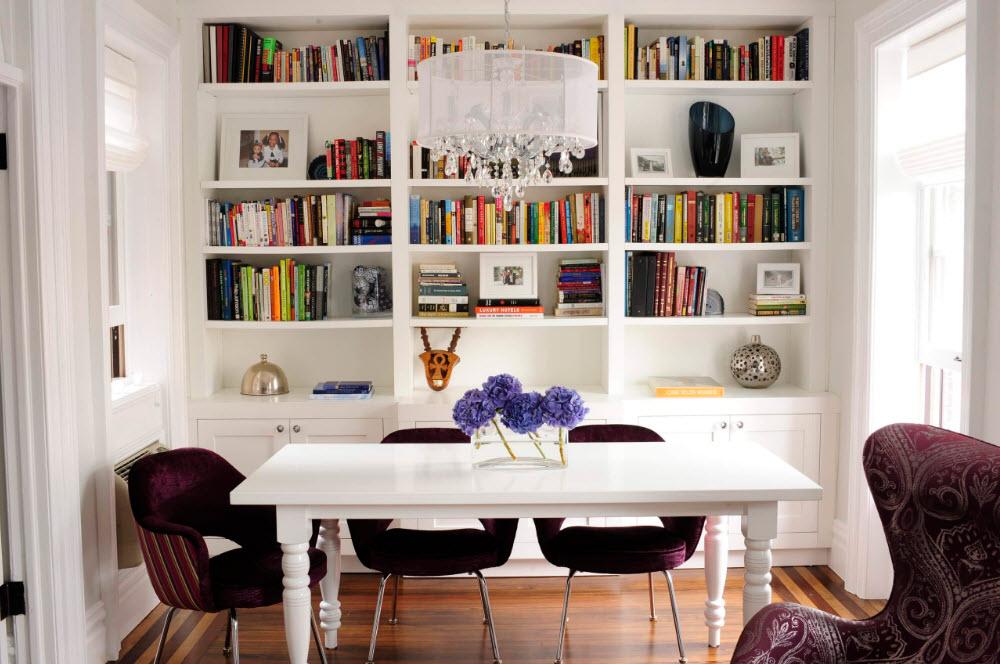 Белоснежный стеллаж в столовой