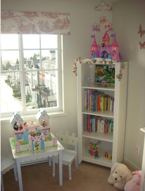 Белые системы хранения для детской