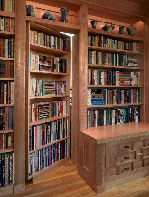 Дверь с книжными полками