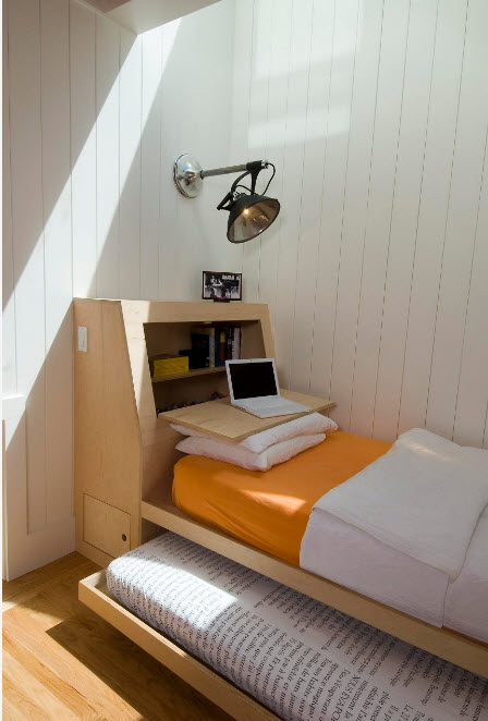 В маленькой спальне