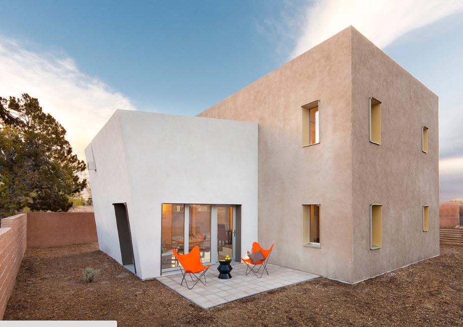 Строгий и лаконичный внешний вид дома