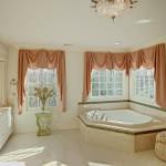 Угловая ванна – выбираем качество, долговечность и красоту