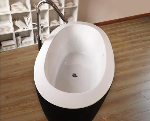 Овальная ванная с черным фасадом