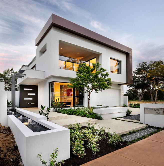 Бело-темное исполнение фасада
