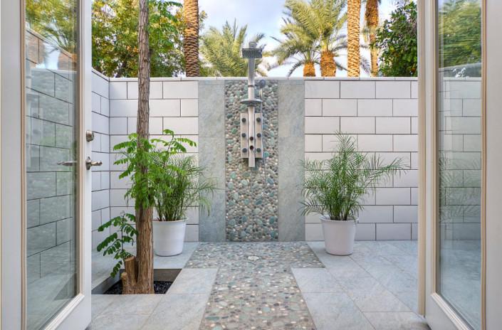 Летний душ как изюминка ландшафтного дизайна