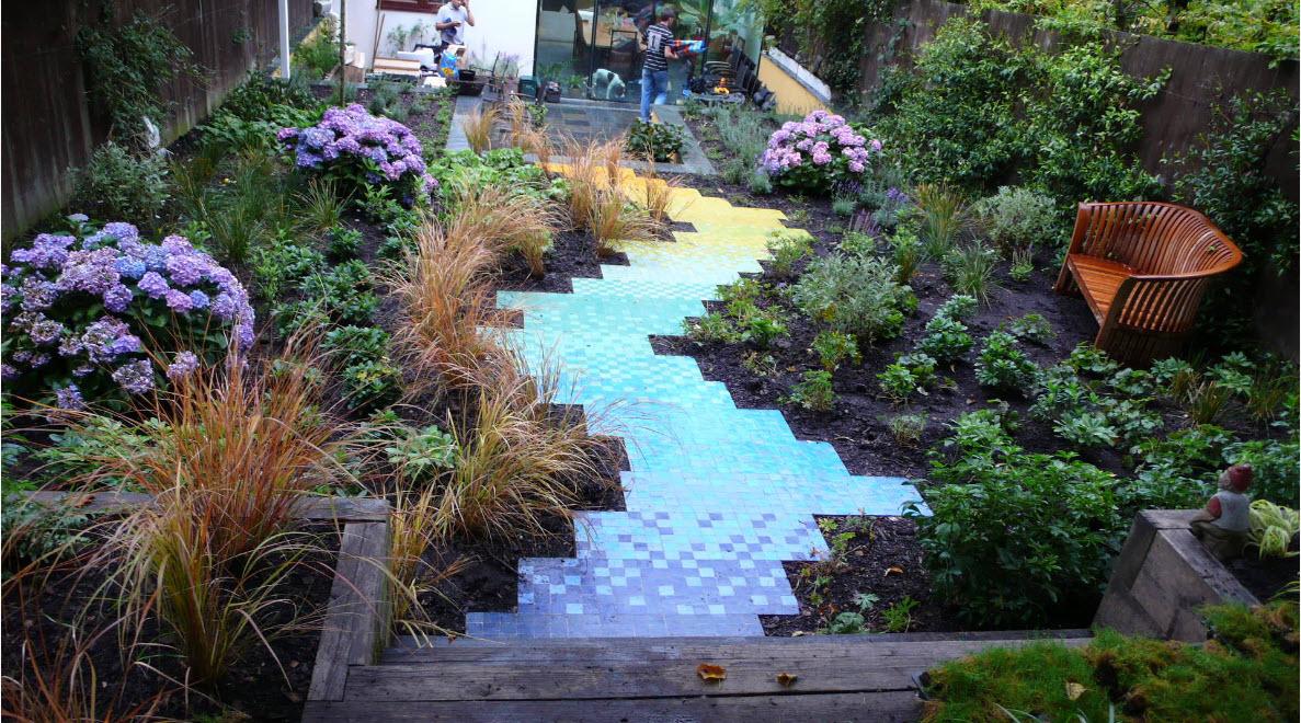 Сплошная садовая дорожка